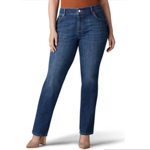 NWT Lee High Rise Relaxed Fit Straight Leg Jean